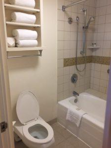 SHERATON KONA RESORT & SPA AT KEAUHOU BAY(シェラトン・コナ・リゾート&スパ・アット・ケアウホウ・ベイ)トイレ・お風呂