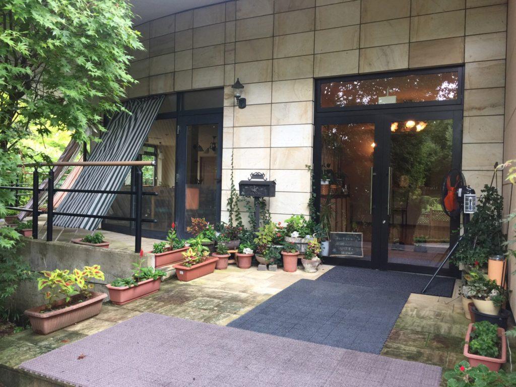 プチホテル ユーフィール エントランス