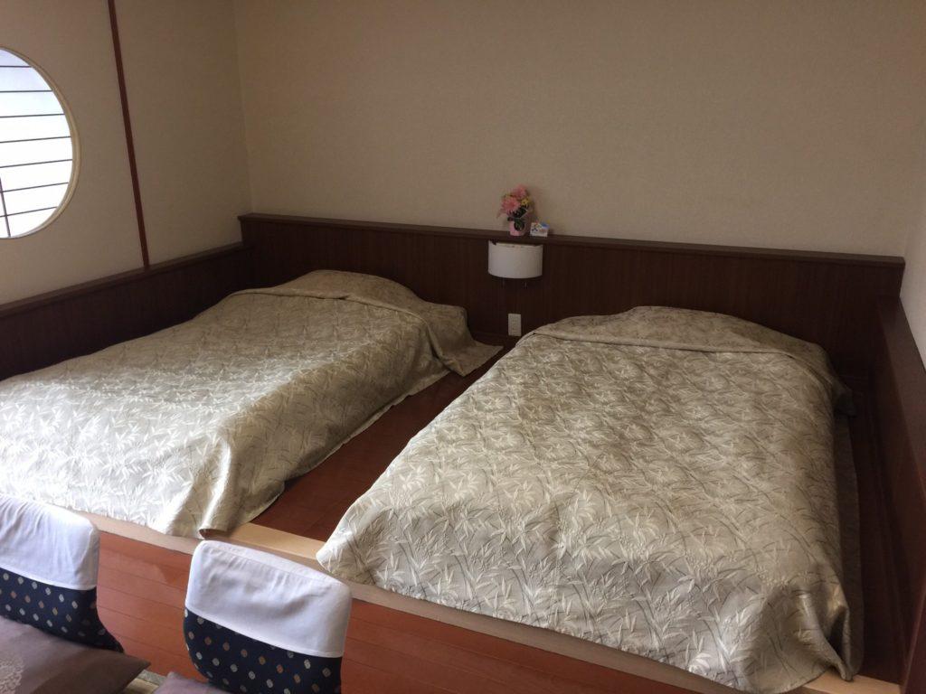 きぬ川ホテル三日月さくら亭 ベッドルーム